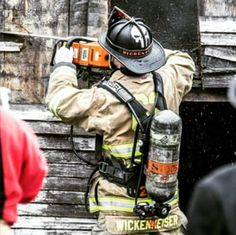 Our buddy @redsealredneck putting his BaySick Leather Helmet Band into service! Getting recognized and being seen!  If you have pictures of your BaySick Leather gear in service please tag us we would love to see it. www.baysickleather.com  #Baysickleather #firefighter #fireengine #radiostrap #calfire #leatherheadmafia #firerescue #firstdue #kcco #smokeshowing #chiveon #firestation #firelife #prescribedfire #firefighterleather #firetraining #firewoman #bomberos #turnoutgear
