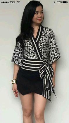 Proportions of print to solid Batik Fashion, Ethnic Fashion, Hijab Fashion, African Fashion, Fashion Outfits, Womens Fashion, Emo Outfits, Batik Kebaya, Batik Dress