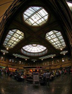 Waverley Train Station - Edinburgh