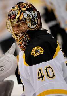 omg! OMG! This is the greatest Tuukka picture i have EVER seen. And I have seen many.
