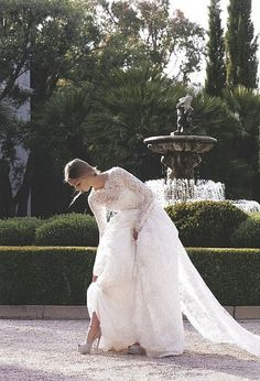 long lace sleeves for the classic bride