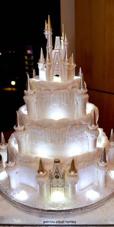 FOR A YOUNGER BRIDE THIS WOULD BE SO SWEET!
