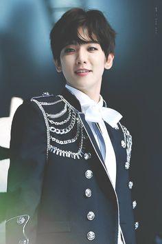 Annyeonghaseyo I'm BaekHyun, main vocalist in EXO *bows to you respectively* I hope you like me and take care of me thank you~ Chanbaek, Exo Ot12, Baekyeol, Baekhyun Chanyeol, Exo Kai, Kpop Exo, K Pop, Taehyung, Kim Minseok