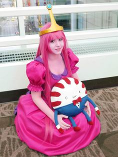 """Princess bubblegum and peppermint butler from adventure time !Cosplay - short for """"costume play"""", is a type of performance art in which participants wear costumes and accessories to represent a specific character or idea from a work of fiction. Epic Cosplay, Amazing Cosplay, Cosplay Outfits, Cosplay Girls, Cosplay Costumes, Cosplay Ideas, Family Cosplay, Funny Cosplay, Finn The Human"""