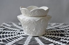 African Violet Lace Pot by hbhill on Etsy, $17.00 This type of pot within a pot guarantees the longest life for African violets.