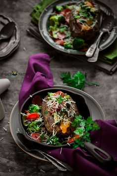 Feb 3, 2017 - Veggie Stuffed Potatoes, mixture of cheese, veggies. Veggie Stuffed Potatoes are healthy, vegetarian, gluten-free. Veggie Stuffed Potatoes are quick, easy. Vegan Vegetarian, Vegetarian Recipes, Vegetable Recipes, Delicious Recipes, Healthy Recipes, Stuffed Potatoes, Stuffed Peppers, Summer Recipes, Winter Recipes