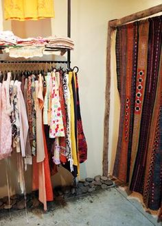 How to Start a Clothing Line and Market It
