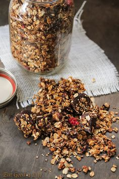 Have you added quinoa to your granola before? I have not but this quinoa granola is the bomb. #granola #quinoa