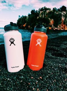 hydro yo Home Inspiration meritage homes inspiration colorado Summer Vibes, Hydro Flask Water Bottle, Cute Water Bottles, Vsco Pictures, Summer Aesthetic, At Least, Mugs, Random, Aesthetics