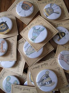 Lots of funky hand drawn badges! :) (cut out circles and do tiny art for buttons) Button Badge, Pin Button, Happy Grandparents Day, Button Maker, Craft Packaging, Artist Alley, Badge Design, Paperclay, Pin And Patches