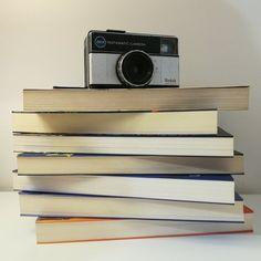 #onethousandfollowers #thankyou #bookstagram #bookstagrammers #portuguesebookstagram #portuguesebookstagrammer #portuguesebooks #livros #books #bookaesthetic #bookaholic #bookreviews #reviews #bookphotography #bookphoto #bookphotograph #bookstagramportugal #booklover #bookcommunity #booksbooksbooks One Thousand, Book Aesthetic, Book Photography, Bookstagram, Book Review, Book Lovers, Posts, Instagram, Books