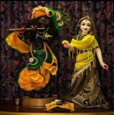 Lord Krishna Images, Radha Krishna Pictures, Cute Krishna, Radha Krishna Love, Radha Kishan, Iskcon Krishna, Jai Shree Krishna, Indian Goddess, Radha Krishna Wallpaper