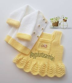 May a happy beautiful fertile week come easy to all of you. Crochet Baby Cardigan, Knit Baby Dress, Knitted Romper, Baby Girl Crochet, Crochet Baby Clothes, Baby Hats Knitting, Baby Knitting Patterns, Baby Patterns, Knitted Hats