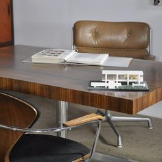 """20cmodern:  """"#case22design #knoll #eames #mcm #miesvanderrohe #cherner #office #officechair #chairs #HermanMiller #matusb A collection of pieces for an office shoot including a pair of Cherner chairs a Florence Knoll desk and a Time life chair. Make your work life a little more stylish."""" by @case22design on Instagram http://ift.tt/1SEI74H"""