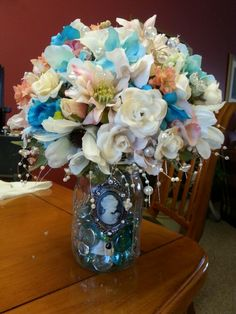 Maid of honor, Rebecca's bouquet