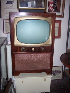 Subject: Top Retro Commercial Websites. Over the years there have been really memorable commercials that have touched our hearts. There are a variety of websites that show many past commercials from prior years.