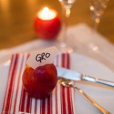 Et eple kan bli en fin bordkort-holder. Advent, Baking, Fruit, Bread Making, Patisserie, Bakken, The Fruit, Bread, Backen
