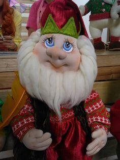 Resultado de imagen para muñecos navidad alejandra sandes Christmas Sewing, Christmas Art, Holiday Ornaments, Christmas Decorations, Holiday Decor, Xmas Elf, Elves And Fairies, Sewing Dolls, Soft Dolls