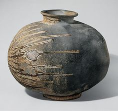 Recumbent bottle. Late 6th century, Japan.