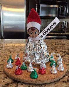 Day 21: Elf kisses! #jacktheelfadventures #elfontheshelfideas #elfontheshelf #elfontheshelf2015
