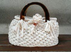 Silvia's bags, Borsa bianca in fettuccia di cotone. White crochet bag.
