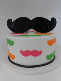 Cute idea for moustache cake Crazy Cakes, Fancy Cakes, Cute Cakes, Cake Cookies, Cupcake Cakes, Smash Cakes, Moustache Cake, Cool Mustaches, Moustaches