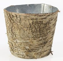 This pot is adorable and versatile! Waterproof zinc interior on the inside and an outside lined with birch bark is perfect to bring a natural feel and a rustic touch. Great for fresh or silk arrangeme Galvanized Planters, Wood Planters, Leaf Bowls, Wood Bowls, Glass Vases Wholesale, Small Wood Box, Wooden Containers, Wood Home Decor, Floral Supplies