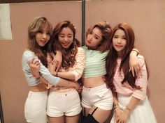 MAMAMOO - at backstage South Korean Girls, Korean Girl Groups, Boy Groups, Wheein Mamamoo, Solar Mamamoo, School Girl Outfit, Cute Poses, Pretty Photos, Cute Friends