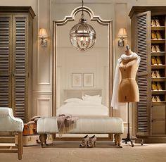 garderobe design retro look Dressing Room Closet, Closet Bedroom, Dressing Rooms, Dressing Area, Closet Space, Shoe Closet, Closet Mirror, Master Closet, Closet Chandelier