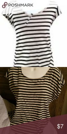 FOREVER 21 STRIPED TOP SUPER CUTE SMALL BLACK AND TAN STRIPED FOREVER 21 TOP Forever 21 Tops Blouses