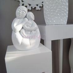 Dekoracyjna figurka | Decorative figurine #dekoracja #figurka #salon #sypialnia #wystrój #wnętrza #stylowe #białe #decoration #figurines #living_room #bedroom #interior #stylish #white