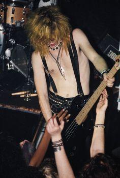 ★Duff McKagan★Welcome to the jungle Axl Rose, Guns N Roses, Metallica, Rock N Roll, Hair Metal Bands, Duff Mckagan, Tommy Lee, Welcome To The Jungle, Now And Forever