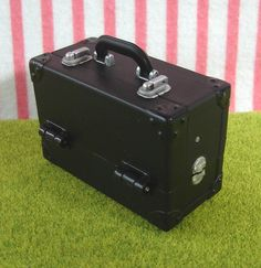 Re-ment / Rement / R-M Miniature Toys : Black Make up Box / Cosmetic Case by HarapekoDoggyBag, via Flickr