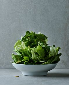 Maailman paras salaatinkastike tulee New Yorkista – näin teet sen itse Dip Recipes, Vegan Recipes, Cooking Recipes, Vegan Food, Food Food, Vinaigrette, Lettuce, Spinach, Cabbage