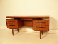bureau scandinave en teck - maisonsimone.com #vintage #déco #design #interior #home