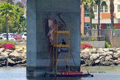 Gerade aufgetaucht: Murals entlang des Meeresspiegels  Der von Oahu, der bevölkerungsreichsten Insel des hawaiianischen Archipels, stammende Künstler Sean Yoro alias Hulaaa lebt heute in New York und v...