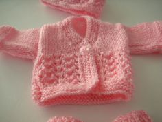 Prem Baby Knitting Patterns Free Uk 27 Free Knitting Patterns for Premature Babies … These free knitting patterns for premature babies sho. Free Knitting Patterns Uk, Baby Cardigan Knitting Pattern Free, Free Baby Patterns, Crochet Baby Cardigan, Knit Baby Sweaters, Crochet Patterns, Baby Knits, Knitted Baby, Preemie Clothes