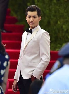 Kris Wu, former member of EXO, represented the youth and beauty coming out of China in his handsome white suit coat.