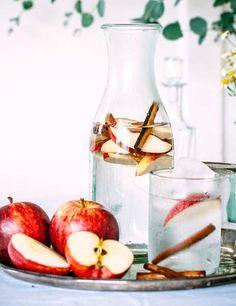 Baja de peso sin moverte: manzana y canela en rama.