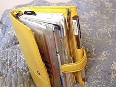 Great post about planner love.  I just discovered this Filofax cult following, and I think I might need one now.  Better than my binder for sure.