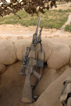 """Initially intended in Australian service as a SF weapon the SR25 was soon issued to Battalion level snipers. The standard American Leupold scopes were quickly junked or """"gifted"""" to the AFP and replaced with Schmidt and Bender units. For the most part the SR25 has been replaced in Australian service by the more versatile and accurate HK 417."""
