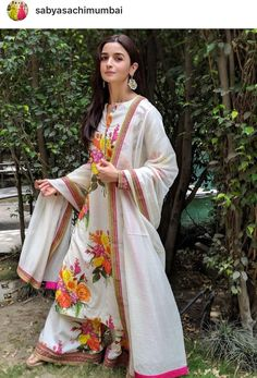 Shop for Indian Lehenga, Dupattas, Sarees, Skirts and Suits. Indian dresses for every occasion. Kurta Designs, Dress Indian Style, Indian Dresses, Indian Attire, Indian Ethnic Wear, Indian Designer Outfits, Designer Dresses, Indian Bollywood, Bollywood Actress