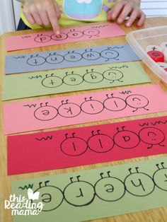 reading the caterpillar sight words Sight Word Activities, Reading Activities, Projects For Kids, Crafts For Kids, Book Crafts, Diy Crafts, 100 Fun, Kindergarten Classroom, Sight Words