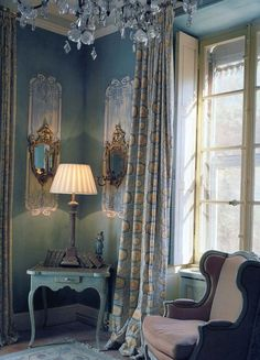 Beautiful french decor, colors of chair, table and walls repeated in curtains. French Decor, French Country Decorating, French Country House, Country Blue, French Cottage, French Furniture, My New Room, Beautiful Interiors, French Interiors