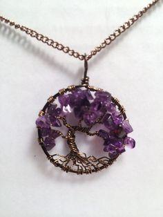 He encontrado este interesante anuncio de Etsy en https://www.etsy.com/es/listing/216383661/tree-of-life-necklace-amethyst-pendant