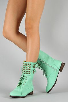 want !!! super cute !!! love the color totally me :)!