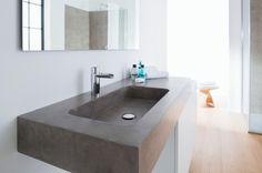 #Microtopping - collezione Elementy. Arredi unici per il bagno, realizzati artigianalmente con materiali innovativi, 100% Made in Italy. #bathroomideas #concrete #madeinitaly #tailormade #interiordesign