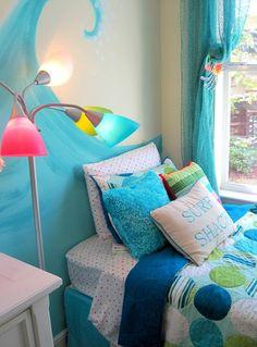 Beach theme girl's bedroom