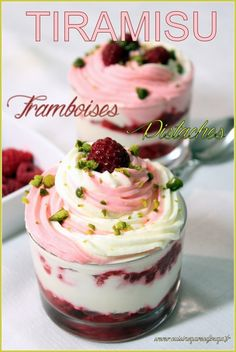 Tiramisu framboises pistaches Vegan Dessert Recipes, Easy Cake Recipes, Sweet Recipes, Cooking Recipes, Fruit Cake Design, Chocolate Fruit Cake, Tiramisu Cake, Raspberry Tiramisu, Food And Drink
