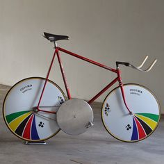 This prototype was made for 'Eros Poli' to break the Hour Record, Mexico City Special Prototype Aerodynamic Campagnolo Crankset Track Cycling, Cycling Bikes, Cycling Art, Cycling Jerseys, Push Bikes, Cool Bicycles, Vintage Bicycles, Speed Bike, Fixed Gear Bike